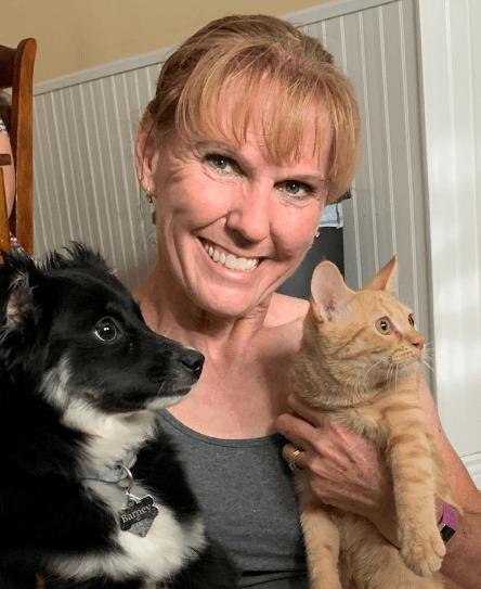 QC Pet Studies graduate, April Costigan, headshot
